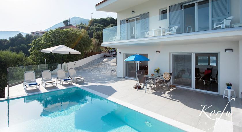 Pirgi N&L Villas Korfu exklusiv Pool modern Ferienhaus Ferienvilla Ipsos Ferienwohnung Apartment