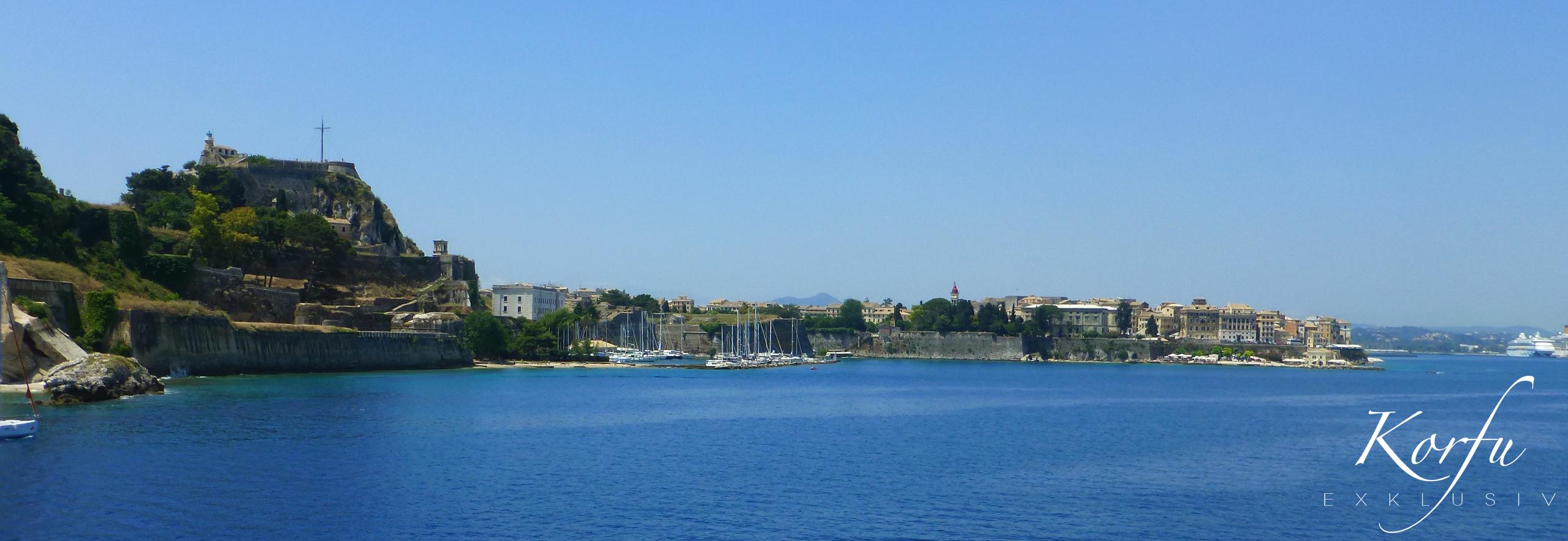 Korfu Einfahrt in den Hafen
