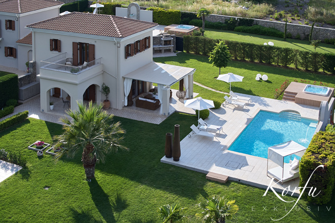 Korfu Luxusvilla Dassia Daphne Pelagos villa Pool Pelekas Ferienhaus